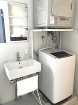 【全室完備】ガス衣類乾燥機・全自動洗濯機