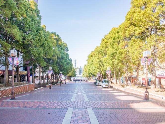 【パルテノン大通り】多摩センター駅から多摩市立複合文化施設「パルテノン多摩」まで続く歩行者専用道路