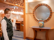 一流のサービスでのおもてなしを心がける熟練の中国料理<南国>スタッフが笑顔でお出迎え♪