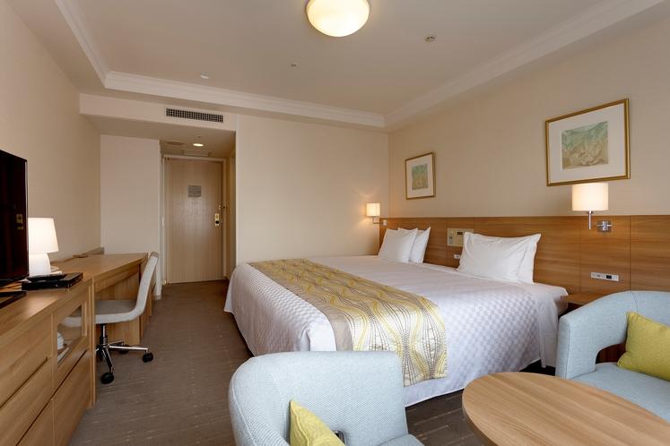 【コンフォートダブル】ベッド幅220cm×1台/24平米/快適で心地よいお部屋。