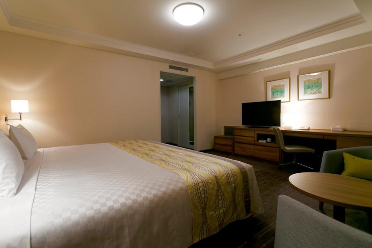 【コンフォートコーナーダブル】ベッド幅230cm×1台/31.1平米/エレガントでゆったりとした空間