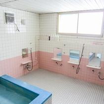 *お風呂/男女1ケ所ずつお風呂がございます。朝風呂もご利用可。
