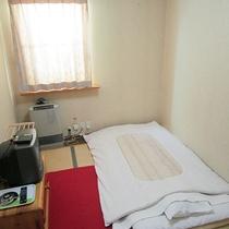 *和室一例/層雲峡の断崖絶壁が見えるお部屋もございます。