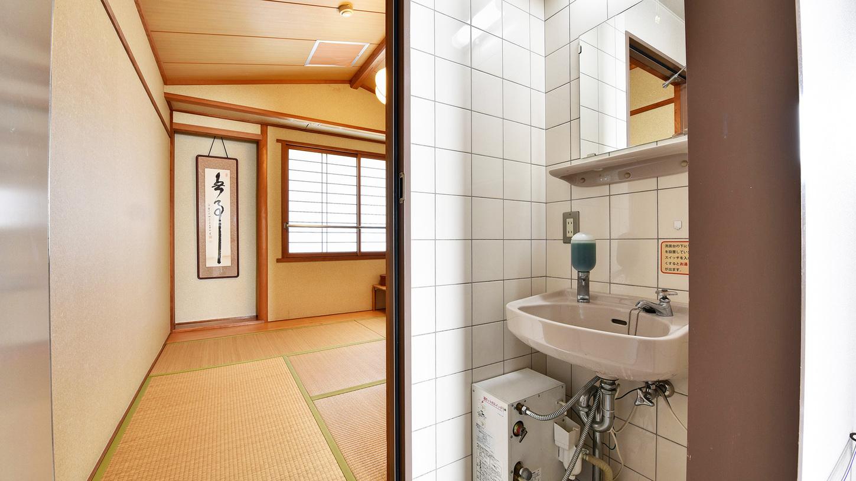 *【客室一例】新館7帖の洗面台(バス・トイレなし)