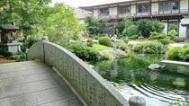 *【池にかかる橋】手入れされた庭園を眺めて疲れをお取りください