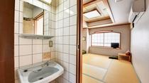 *【客室一例】新館10帖の洗面台
