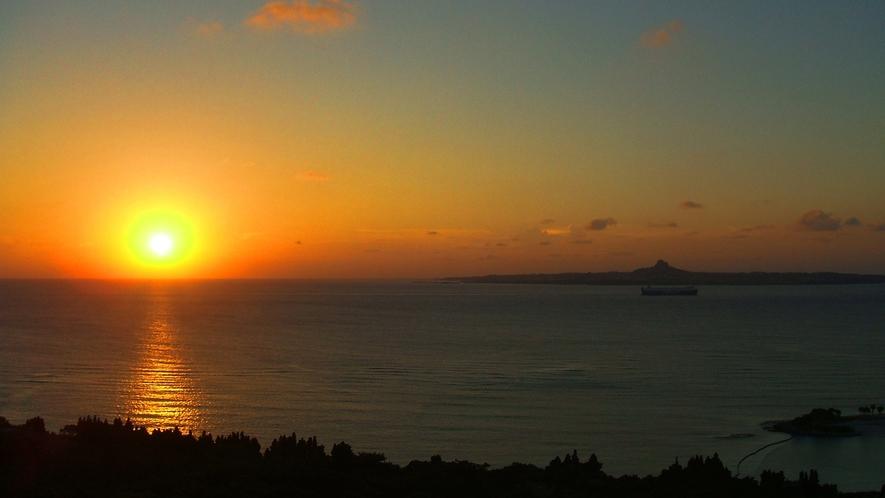 美ら海に沈む夕日