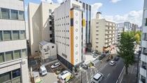 外観:中洲川端駅より徒歩3分。中洲まで徒歩3分!博多まで2駅。博多/天神は100円バスも運行!