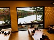 食事処から眺める白駒池