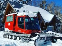 白駒荘冬の名物の雪上車