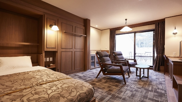 フォース(バルコニー付き)…客室42平米+バルコニー30平米