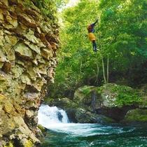 *キャニオニング/クライマックスは6mの滝つぼへダイブ!!爽快感たっぷりです。