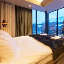 *2ベッドルームコダチプレミアム室内一例/ツインまたはダブルベッドの寝室。
