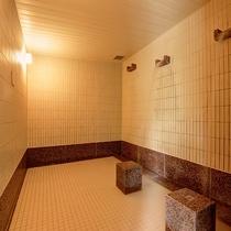 *【打たせ湯(女性)】露天風呂・主浴風呂・泡風呂・ボディシャワー・寝湯・サウナ・水風呂もございます。