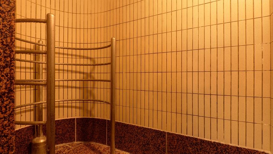 *【ボディシャワー(女性)】露天風呂・主浴風呂・泡風呂・打たせ湯・寝湯・サウナ・水風呂もございます。