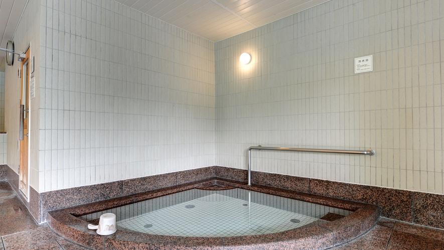 *【水風呂(女性)】露天風呂・主浴風呂・泡風呂・打たせ湯・寝湯・サウナ・ボディシャワーもございます。