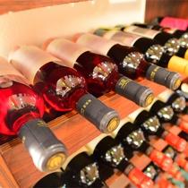 *【ダイニング(ワイン一例)】山梨をはじめ、和食のお食事にも合う、各種ワインをご用意しております。