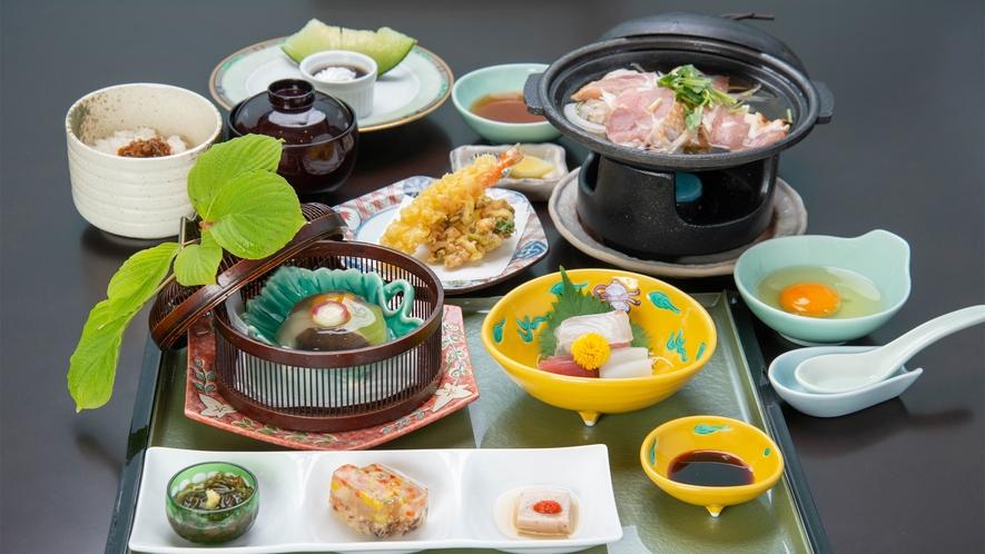*【ご夕食一例<和食:富士見湧泉御膳>】季節の美味を愉しめる会席料理をお召し上がりくださいませ。
