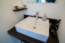 オーシャンスイートルーム 洗面台