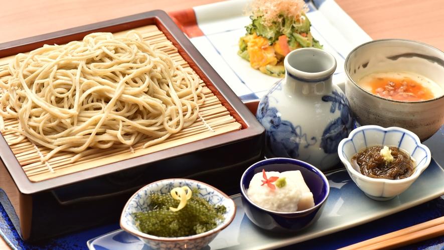 【リゾート内レストラン/蕎麦居酒屋 彩海】肴とお酒を愉しんだら、〆はお蕎麦で