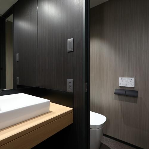 トイレ 3点独立型(トリプル、デラックスツイン)