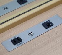 デスクコンセント(USB接続出来ます)