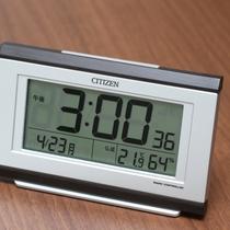 客室~目覚まし時計