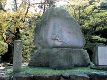 尾山神社 お松の方之像(金沢駅よりバス20分) 【写真提供:金沢市】