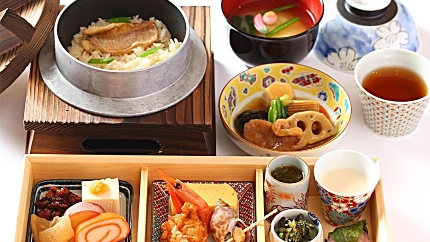 【朝食】加賀野菜やじわもん(地のもの)を使用した「北陸づくし-釜めし御膳」