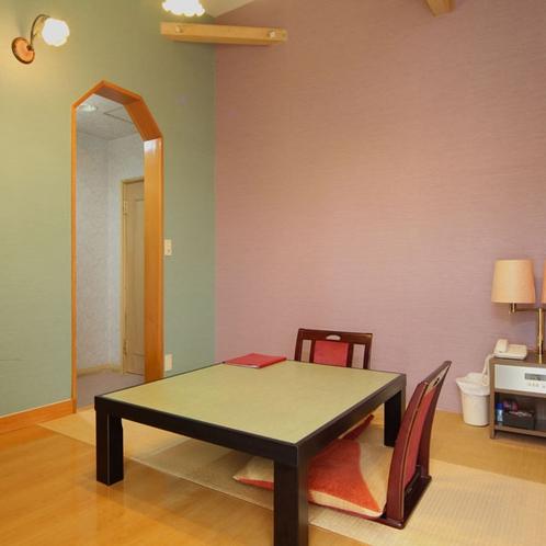 【彩】*本館 パステルカラーでデザインされた客室にはアートパネルや小物で彩られた女子に人気のお部屋