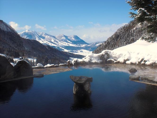 馬曲温泉の露天風呂(冬)