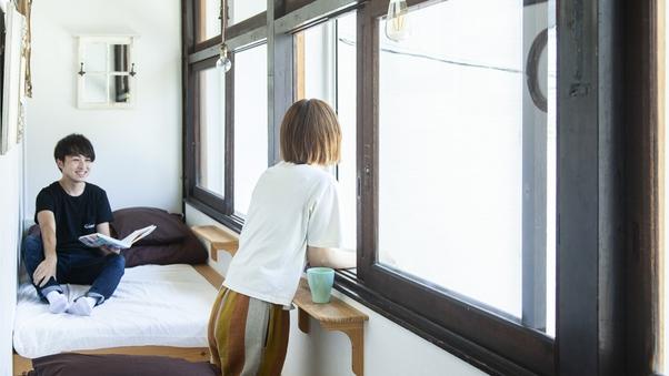 窓辺個室(定員2名様)