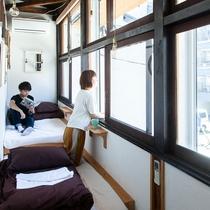 窓辺2名個室
