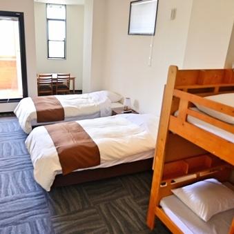 ファミリールームB(二段ベッド)