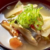 【和朝食】料理長特製けんちん汁
