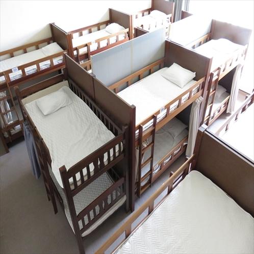 2階_男性レストルーム(ベッド)※リクライニングルームと、仕切られています
