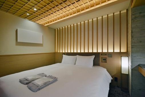 【10平米・禁煙】ダブルルーム/140cm幅ベッド×1台