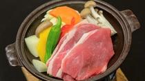 【お料理一例】イノブタ陶板蒸し