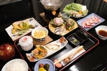 【紀州御膳】すさみ名物のイノブタ、海の幸が楽しめる夕食メニューです。