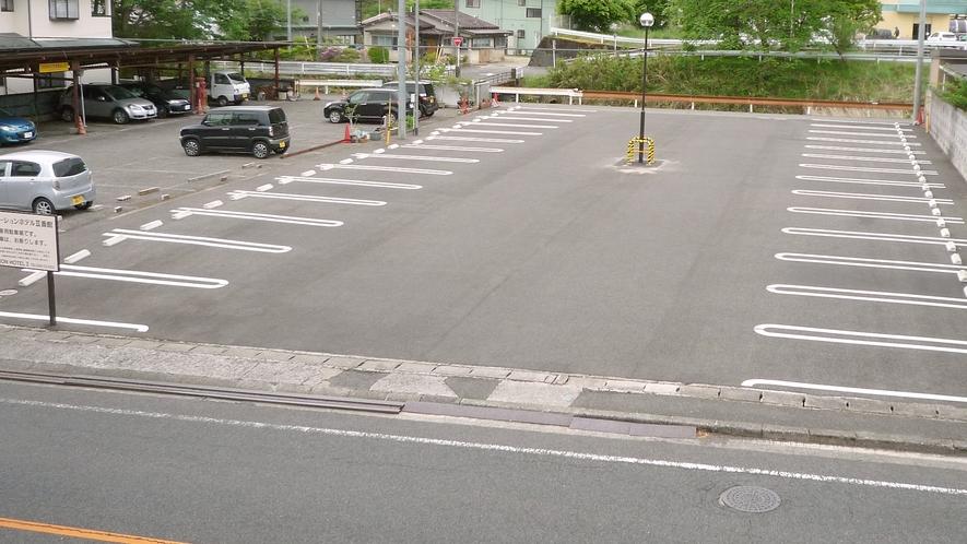 ホテル駐車場。ホテル到着順にご利用いただいております。