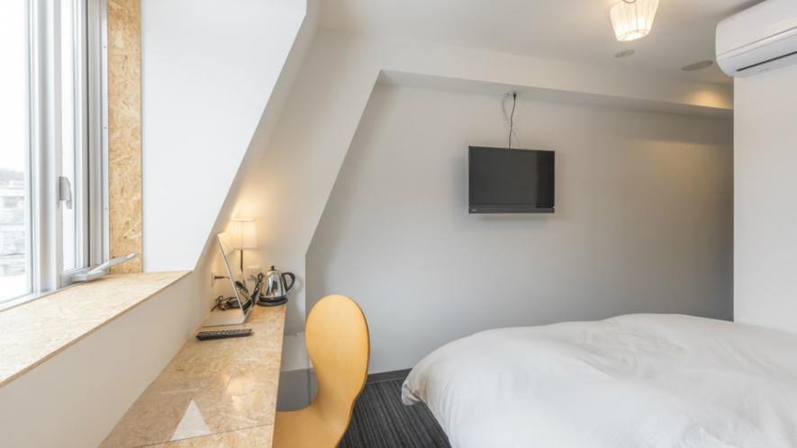 最上階ダブルルーム(ベッド幅155㎝)一例