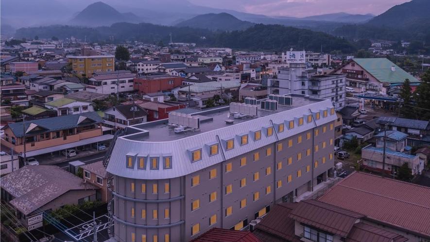 ホテル全景(空撮)夕景
