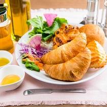 焼立てパン健康朝食