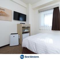 セミダブルルーム 12.8m² シモンズ社製120㎝幅ベッド