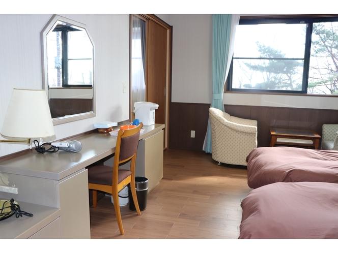 和室6畳とデラックスツイン【露天は3坪花畑風檜風呂】