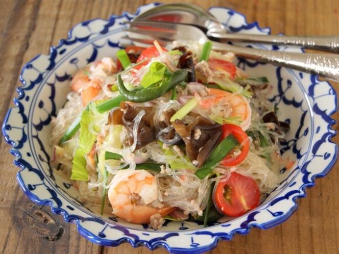 妄想海外旅 タイ 春雨サラダ