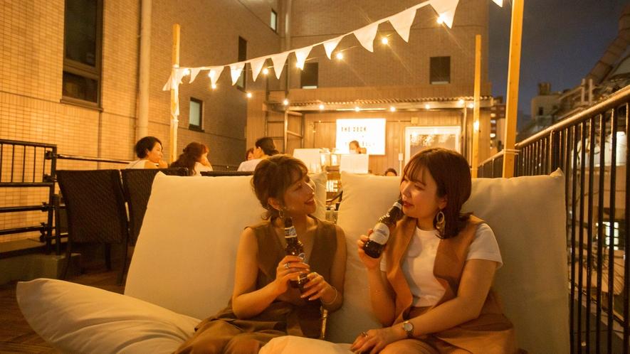 ・屋上(夏)ルーフトップバー「THE DECK」/世界のビールが飲めます