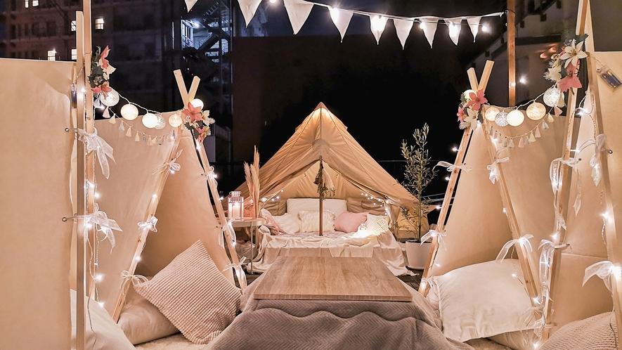 ・屋上(冬)グランピング「THE DECK」/ベルテント、一人用小テント4基、こたつがあります