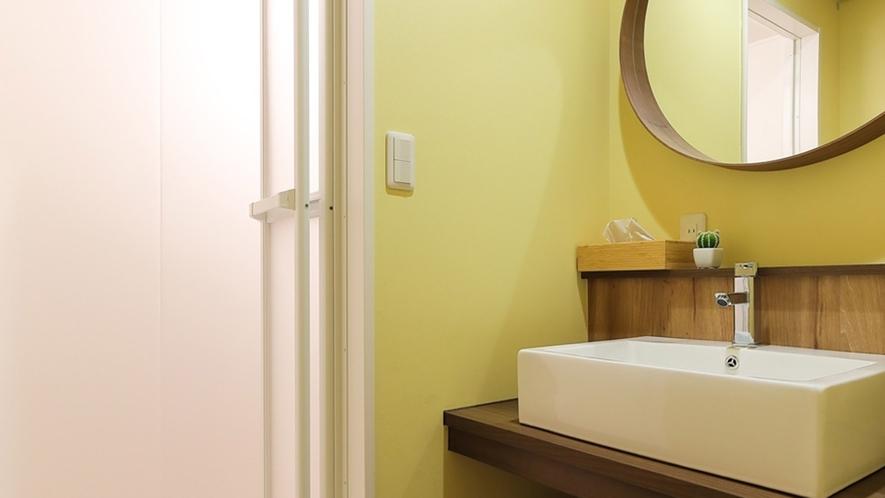・共用シャワールーム/安心な鍵付き