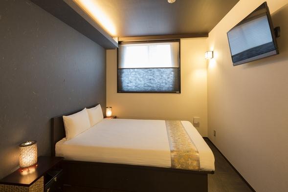 モダン洋室 Bタイプ(スタンダードダブル)◆落ち着いたモダンの雰囲気に和の彩りが融合した癒しの部屋